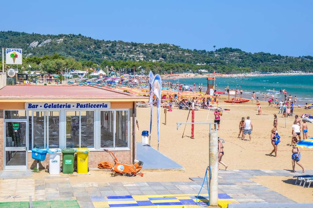 Spiaggia terrazza sul mare vieste gargano - Terrazzi sul mare ...